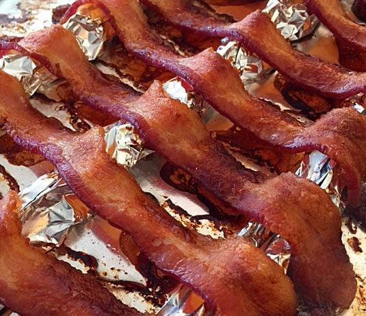 How to bake bacon in the oven   Bensa bacon lovers blog