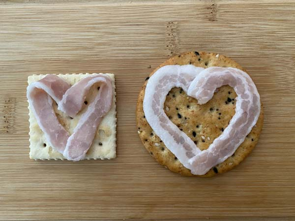 Bacon heart crackers